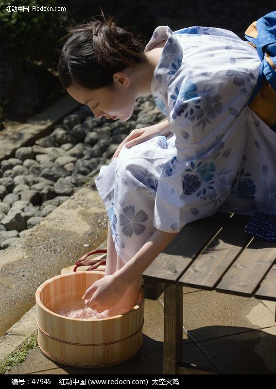 关键词:和服日本女人美女