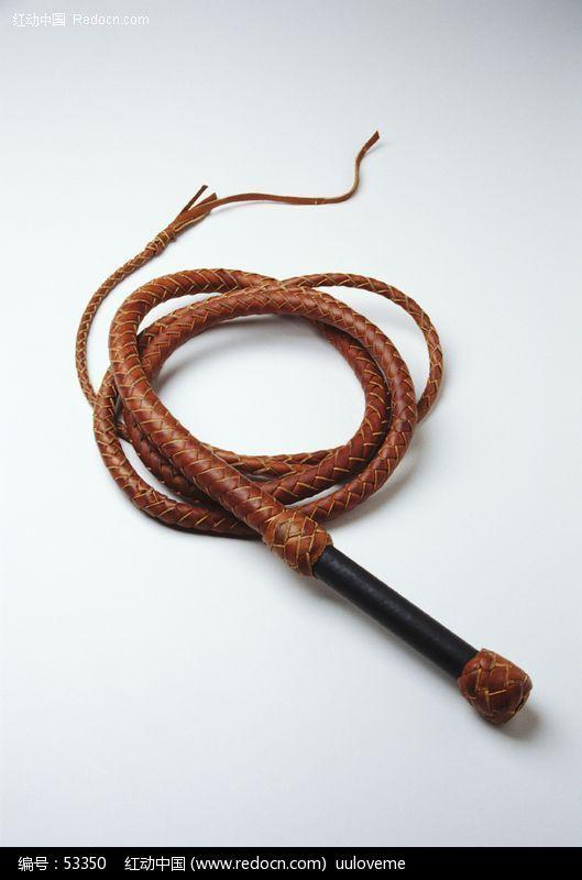 男人用鞭子抽美女_鞭子设计下载