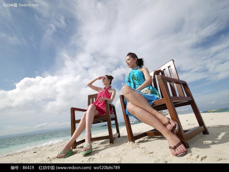 沙滩美女图片编号:86419