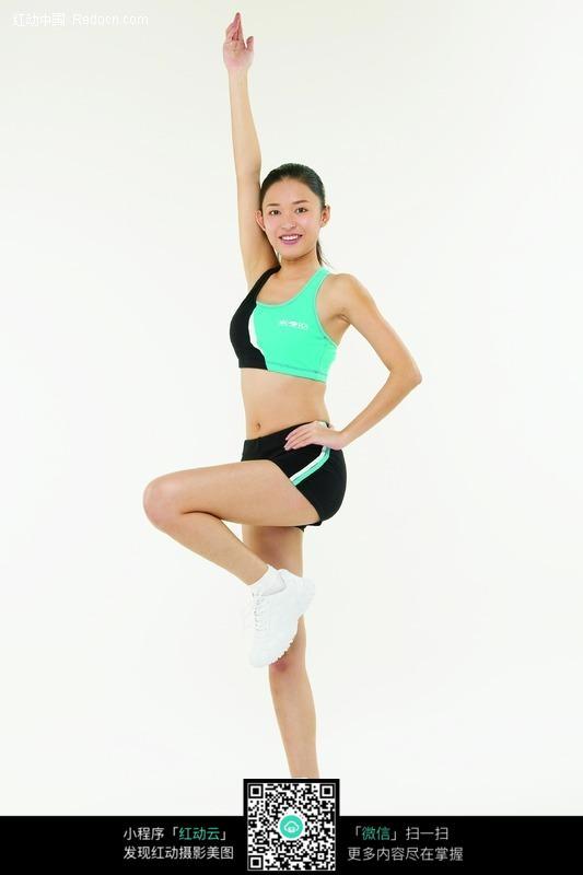 做健身操的美女图片编号:91950