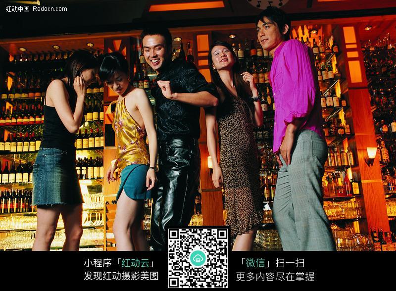 酒吧里跳舞的青年男女图片编号:116326 日常