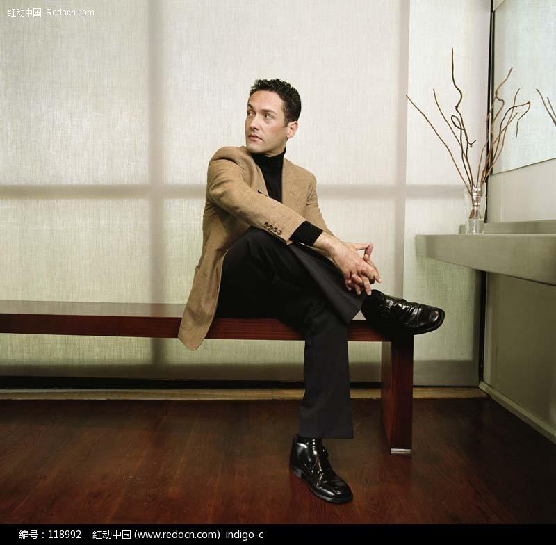 男人凝望阳光绅士西装人物摄影素材帅哥图片帅哥照片