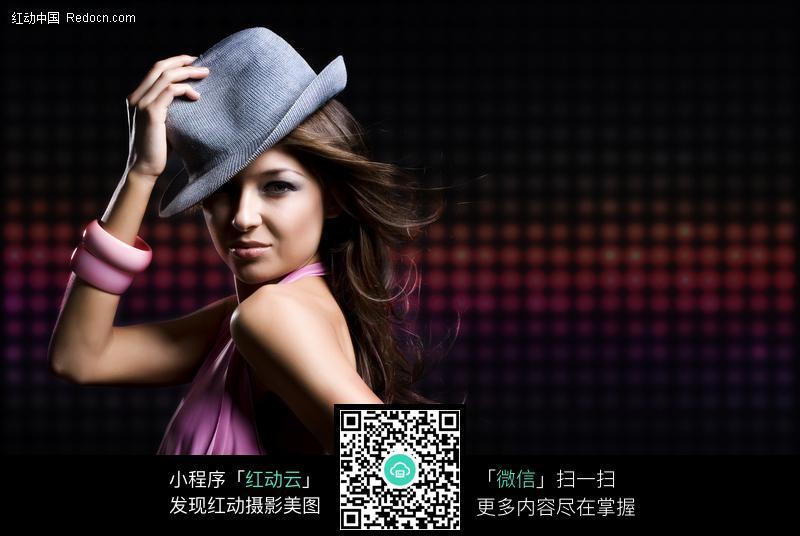 戴帽子的外国美女图片图片编号:148131 女性