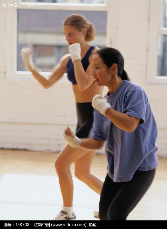 教人打拳的教练