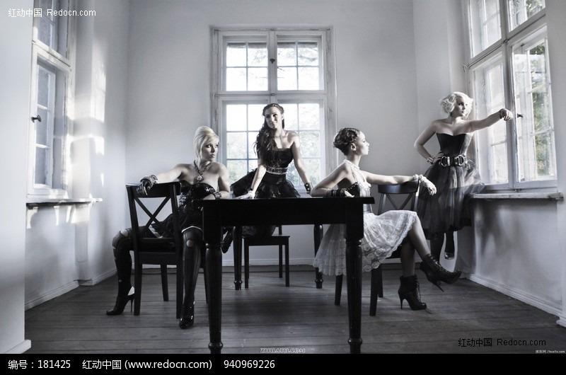 时尚欧美模特美女图片编号:181425 女性女人
