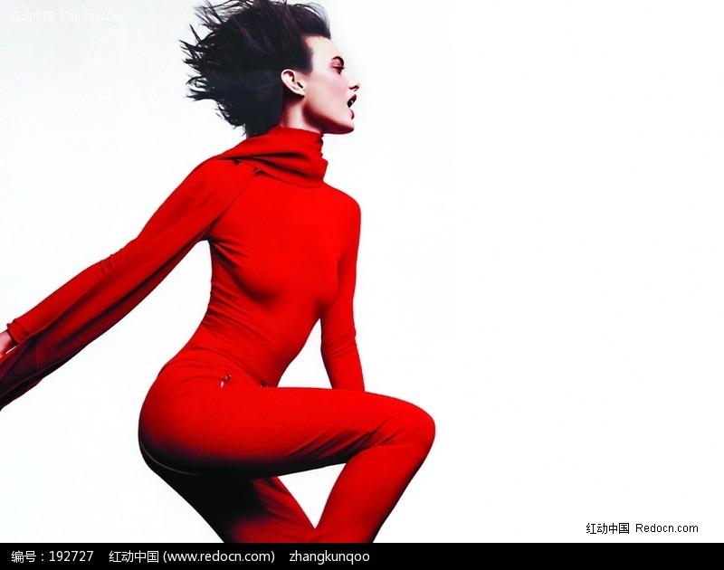 身穿红色衣服的美女侧面图片(编号:192727)