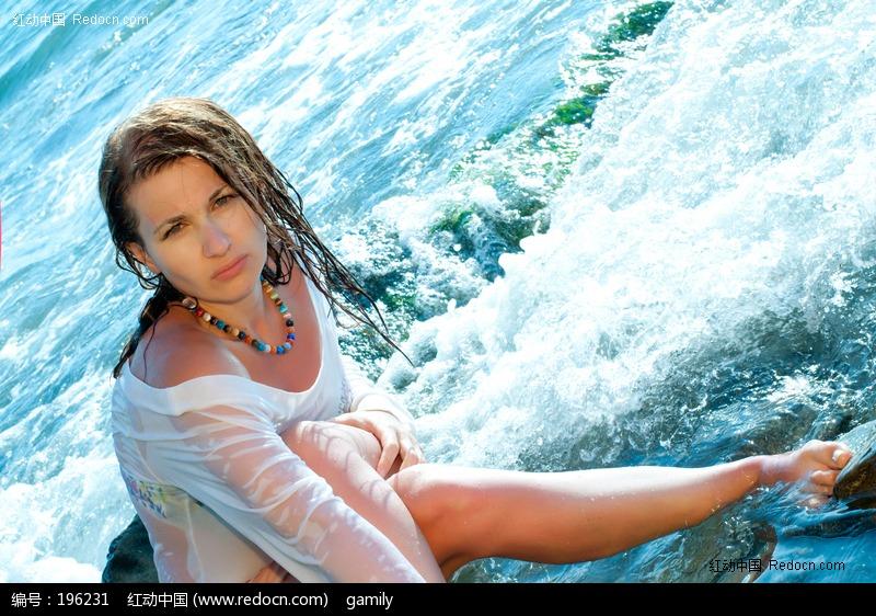 被海水湿身的外国美女图片编号:196231