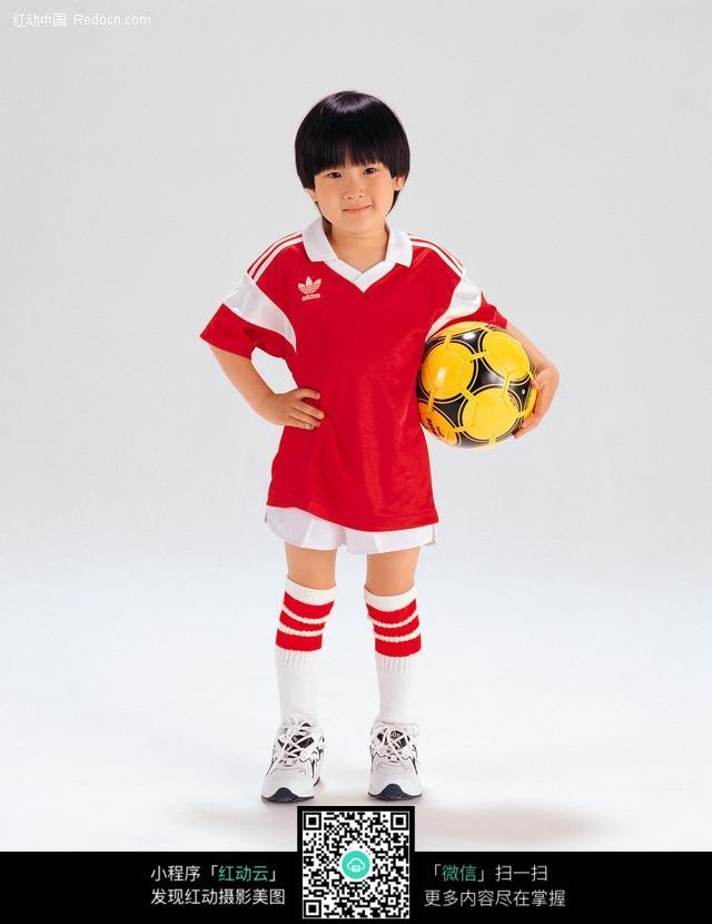 抱着足球的小男孩图片-人物图片素材|图片库|图