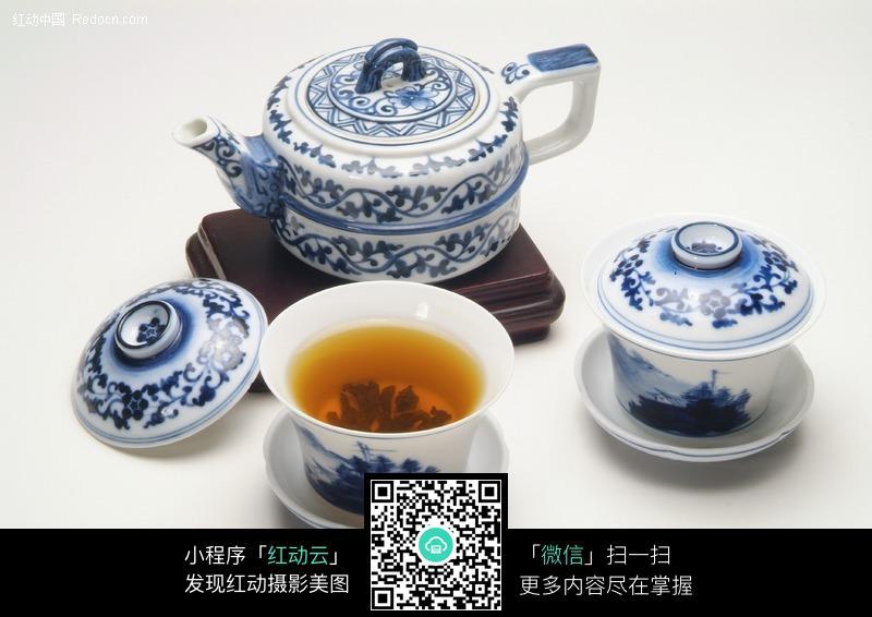 青花茶壶盖碗设计图片