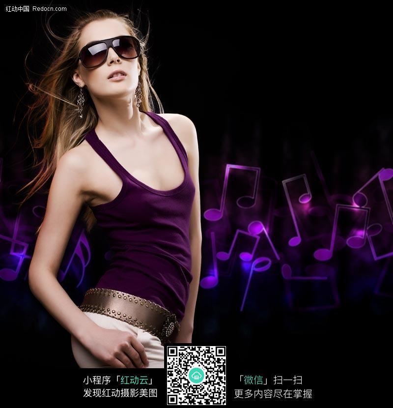 潮流时尚外国美女图片编号:270133