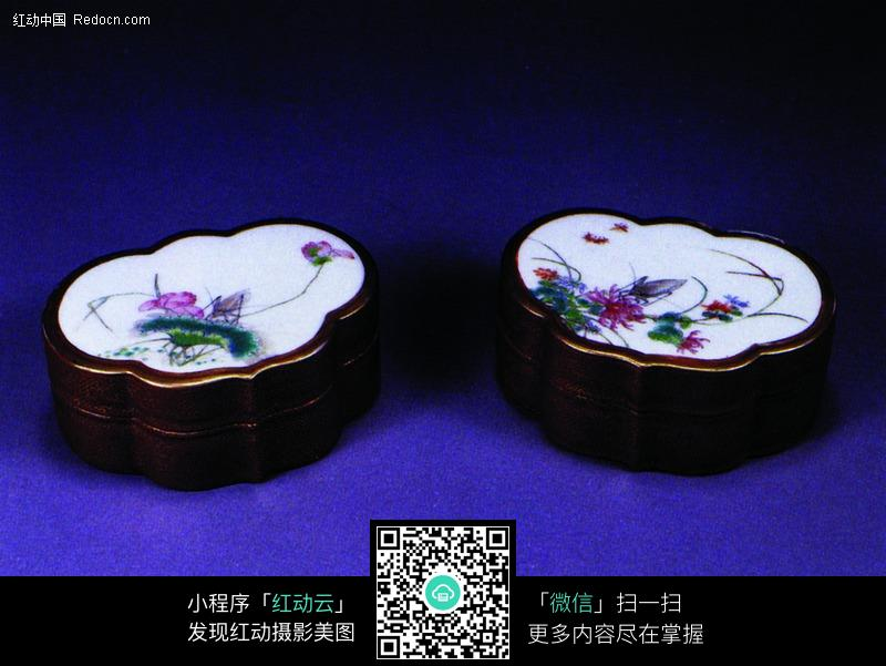 中国瓷器文物 彩绘花边瓷盒设计图片