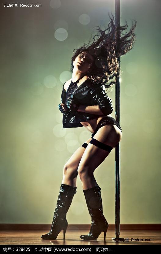 激情舞蹈的钢管舞美女图片 人物图片素材|图片