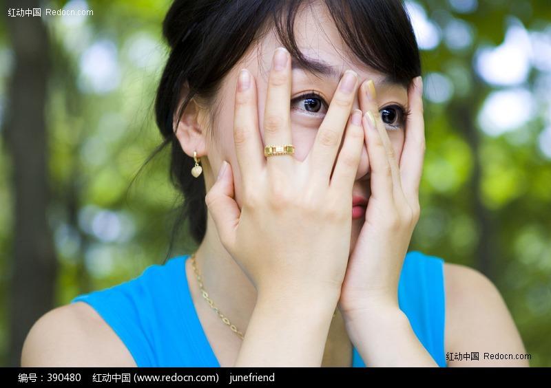 捂脸的美女图片 人物图片素材|图片库|图库下载