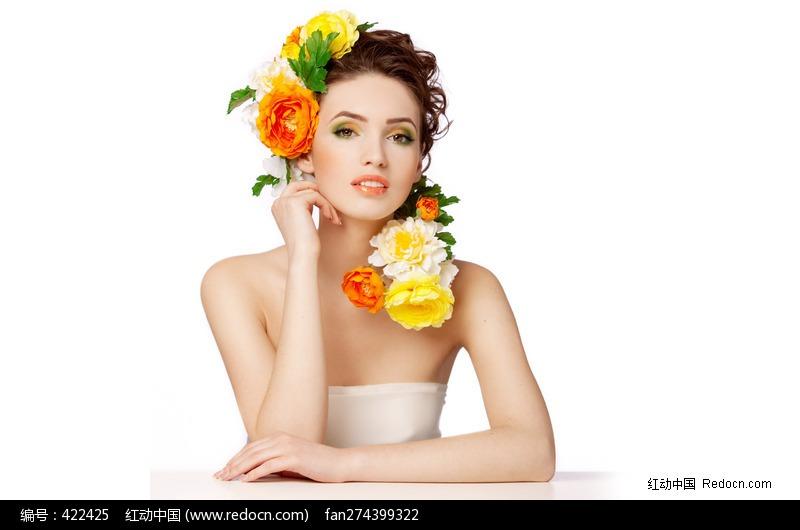 头上插满鲜花的外国美女图片编号:422425