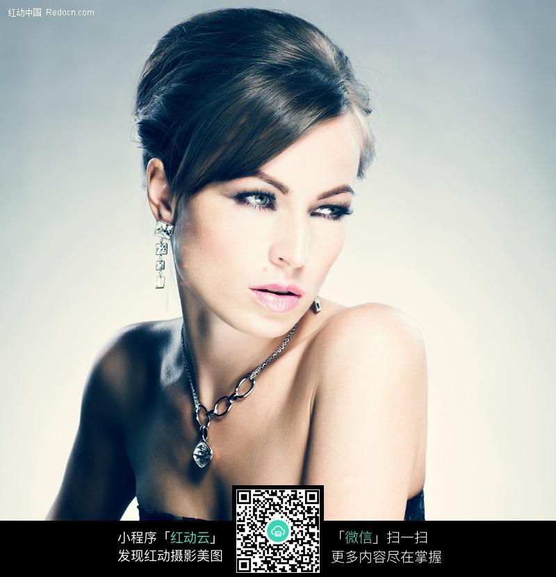 珠宝广告美女图片编号:456477