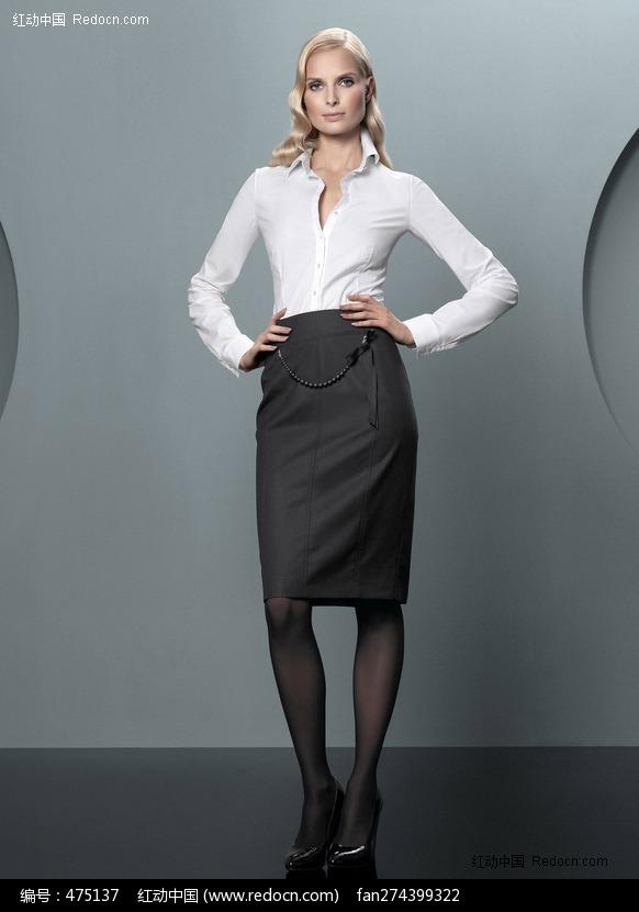 穿职业套裙的外国美女图片编号:475137