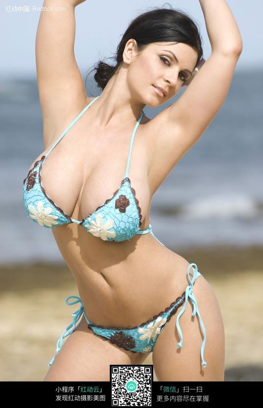 扭腰的外国性感泳衣美女图片编号:494847