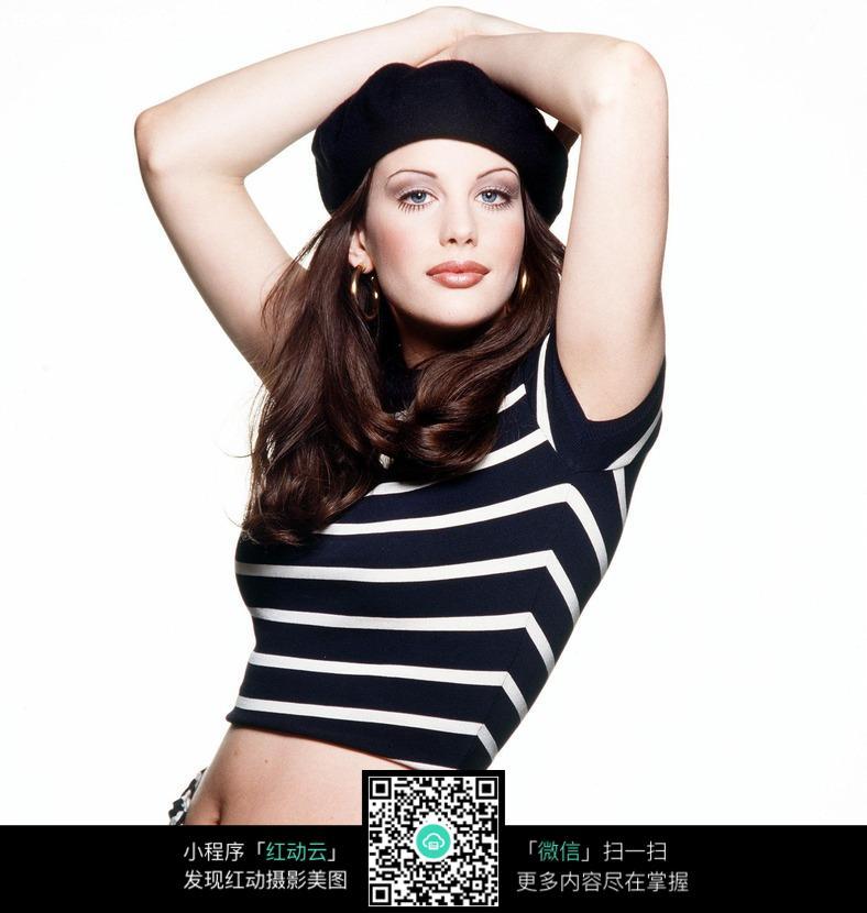 丝袜放在图片的性感性感美女头顶-人物图片素图片双手太外国莫妮卡贝鲁奇图片