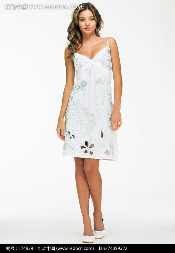穿白色连衣裙的外国美女图片编号:574939
