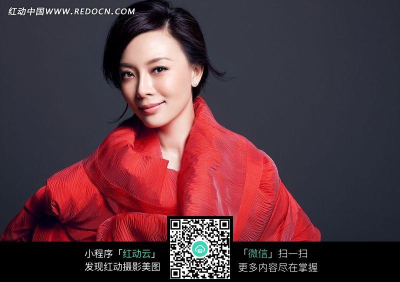 穿红色衣服的美女陈数设计图片