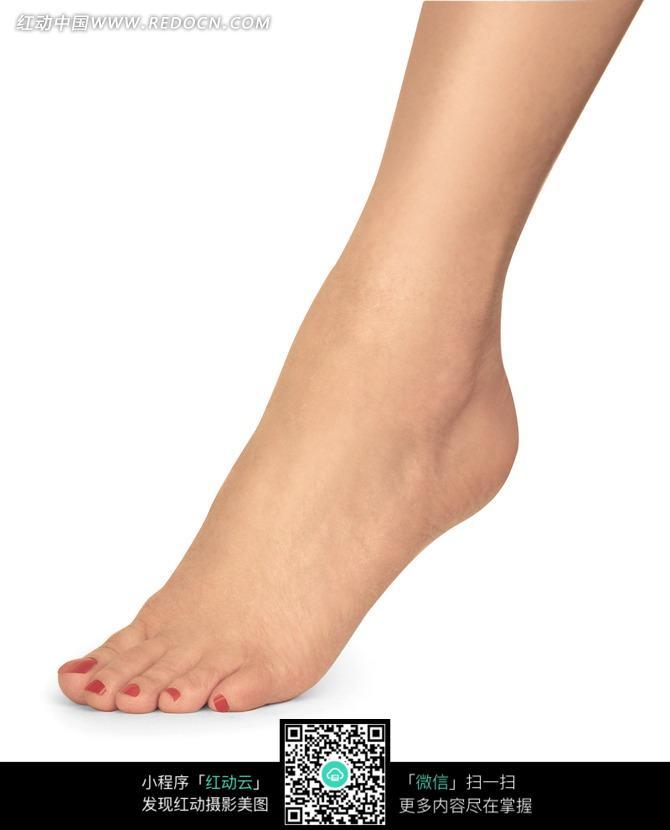 红色脚趾甲模特脚丫人体摄