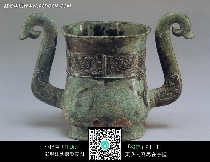 一个古董双耳青铜壶设计图片