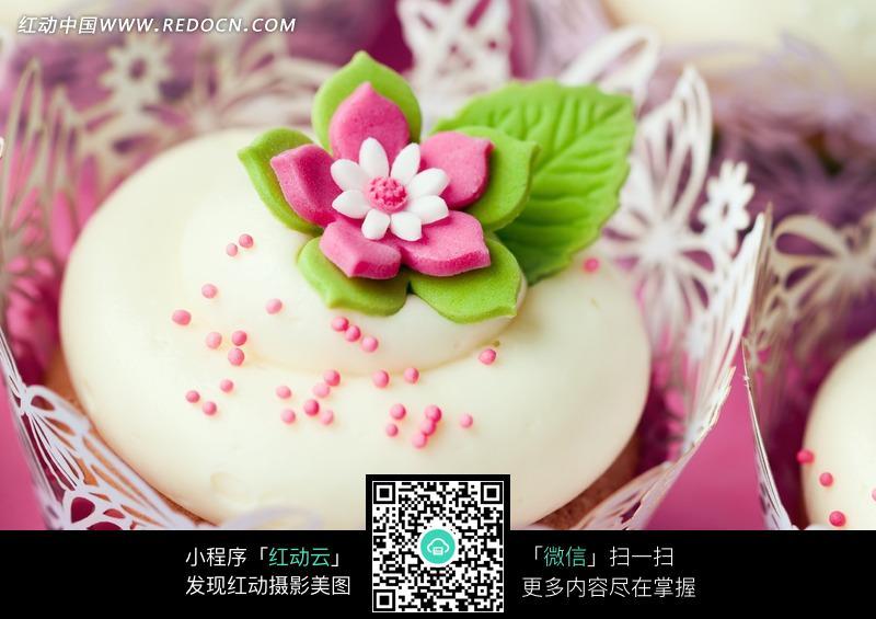 美味花卉蛋糕图片设计图片