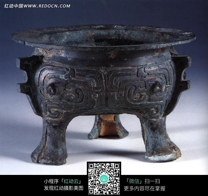 精美的古代炊具青铜鬲设计图片