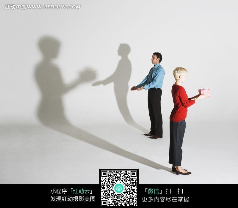 国外影子互动创意动作图片(编号:858239)图片