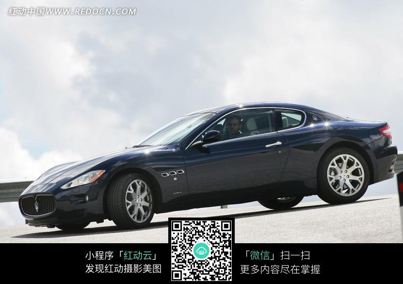 蓝色的玛莎拉蒂跑车图片 865547高清图片