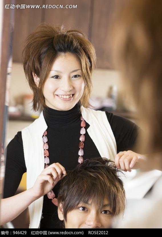 美女理发师剪头发图片 人物图片素材|图片库|图库