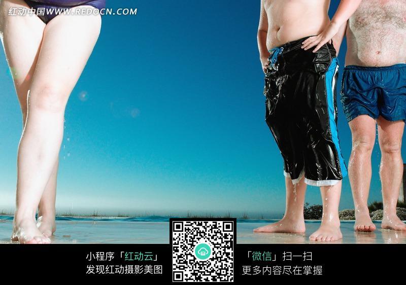 女子的肥胖的腿和两个肥胖的男子图片编号:9