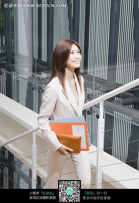 上楼梯的商务美女图片 人物图片素材|图片库|图库
