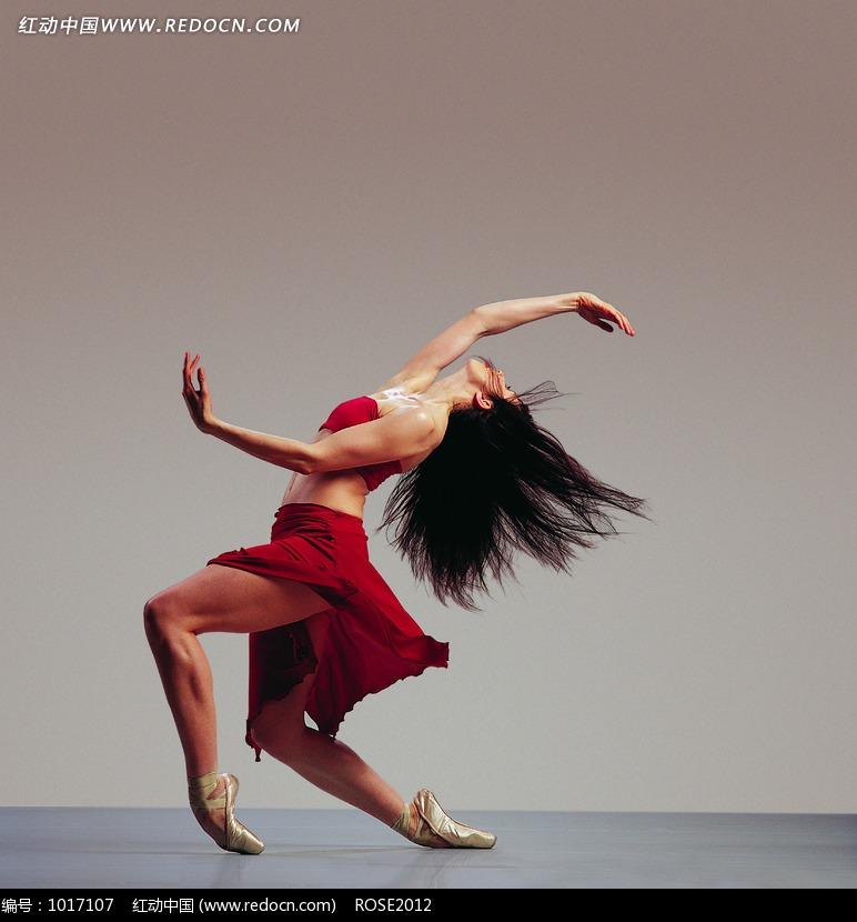 身体后跳舞女人图片编号:1017107