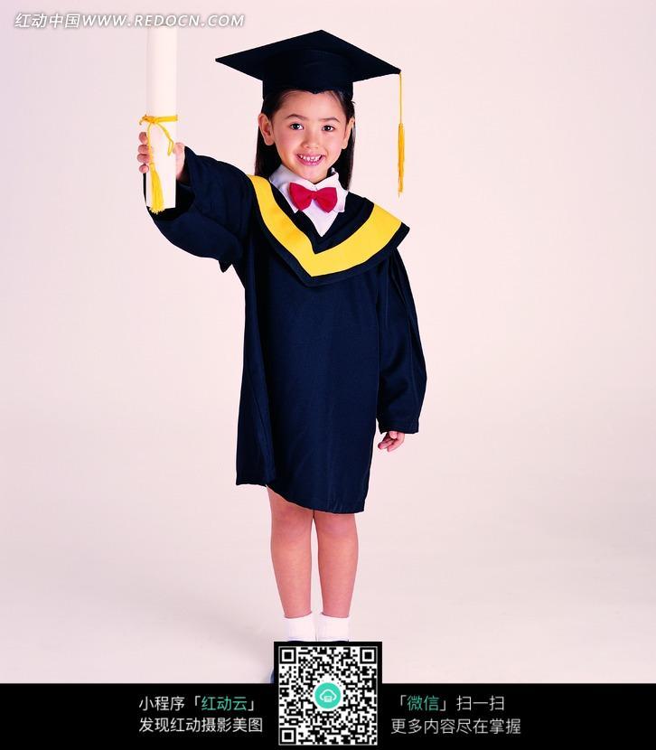 手举证书的小博士图片(编号:1041613)_儿童幼儿_人物图片_图片素材