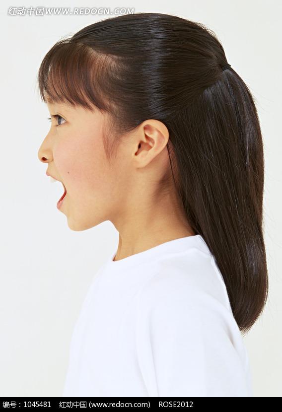 张大嘴巴的小女孩侧面图片编号:1045481 儿