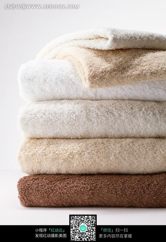 叠放整齐的毛巾图片(编号:1076247)_女性女人