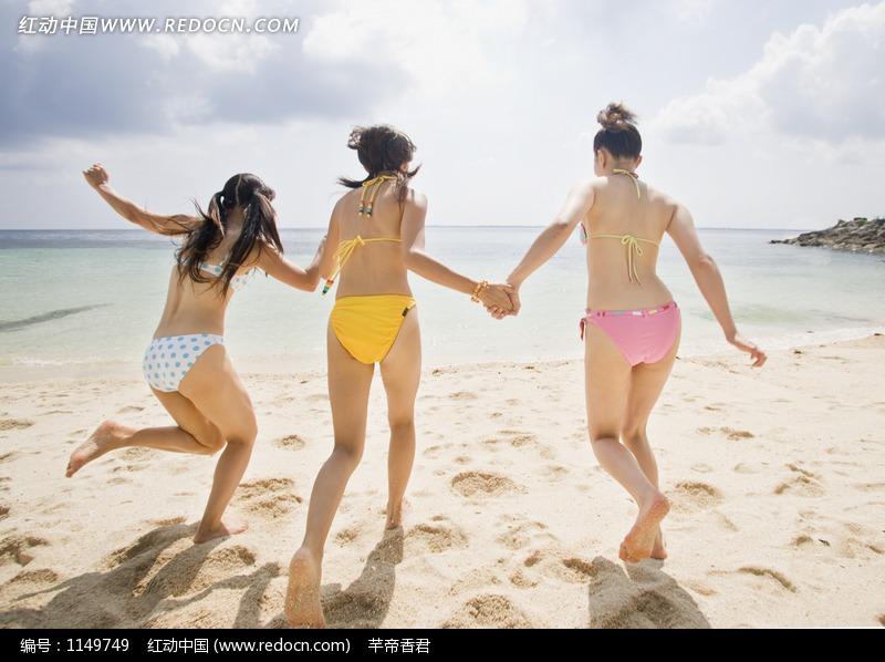 沙滩上的泳装美女图片编号:1149749