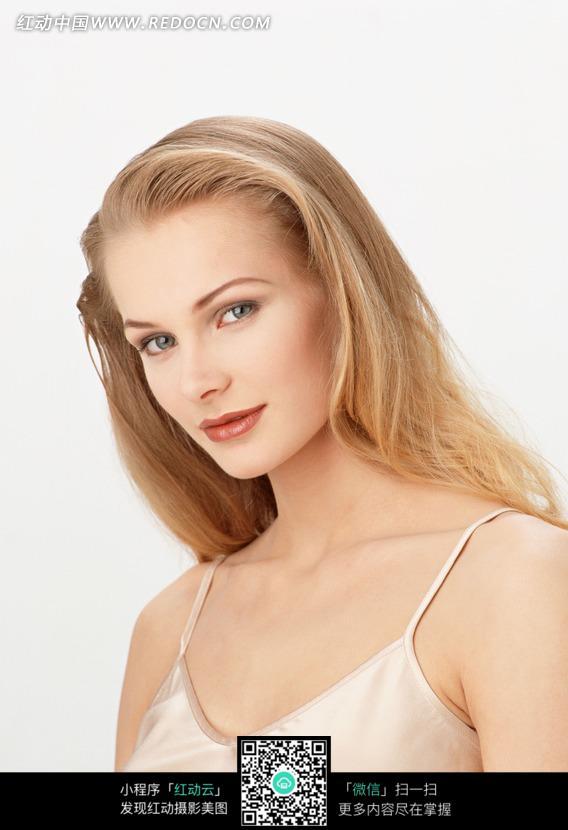 外国性感美女半身像图片图片编号:1161015