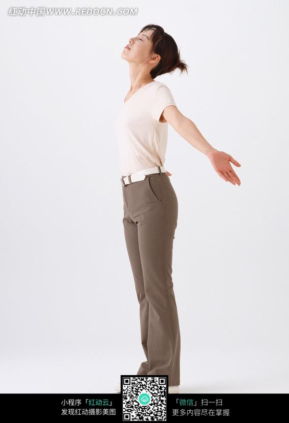 张开双臂的侧面美女图片 人物图片素材|图片库|图库