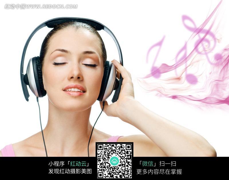 听音乐的美女图片图片编号:1162301