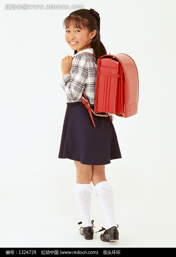 背着书包的小女孩图片(编号:1324729)