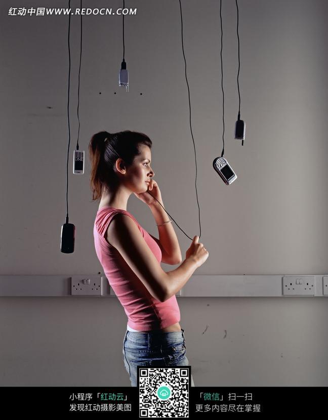 打的女人和吊起来的图片编号:1598007