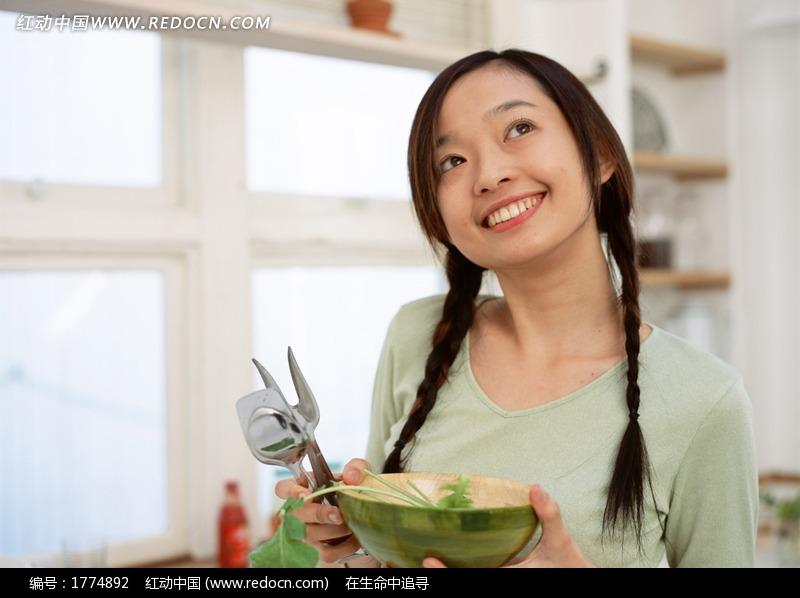 吃东西的美女图片编号:1774892