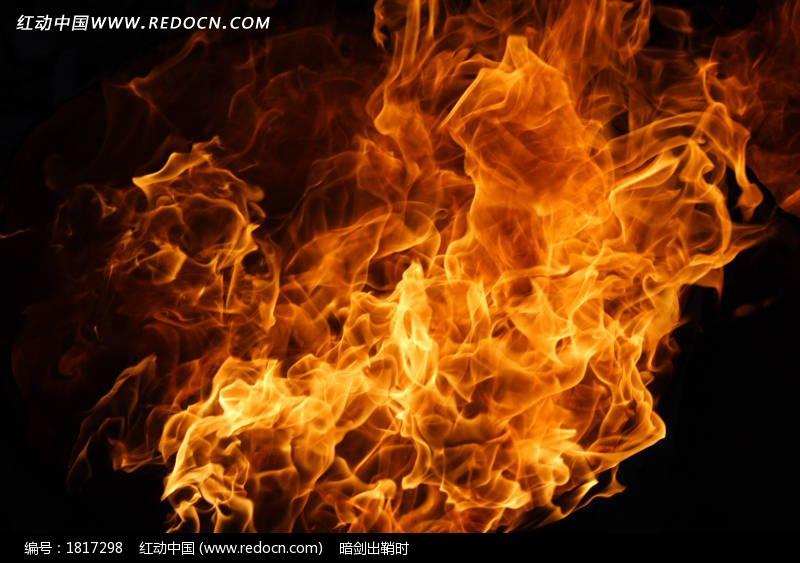 2,营造一下燃烧的气氛,新建个图层通过画笔绘制些火的颜色,